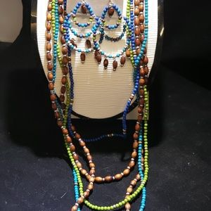 Fun necklaces set
